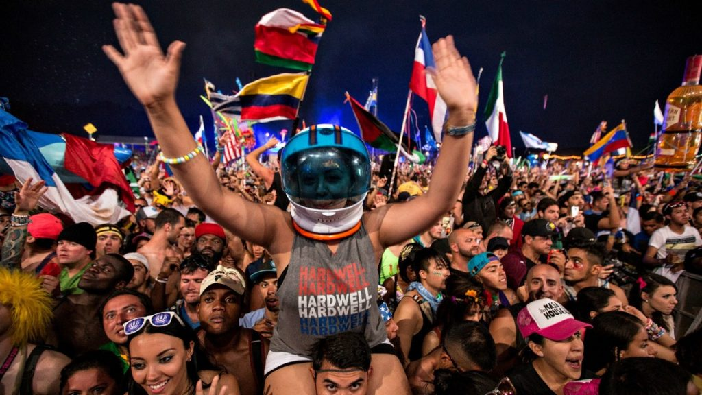 tomorrowworld-hardwell